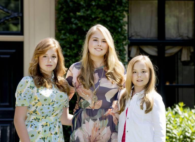 """Bevor Alexia, Amalia und Ariane 18 Jahre alt sind, sollen sie keine repräsentativen Aufgaben übernehmen. Dabei könnte das """"A-Team"""" für die Monarchie extrem wichtig werden.  ©imago images / PPE"""