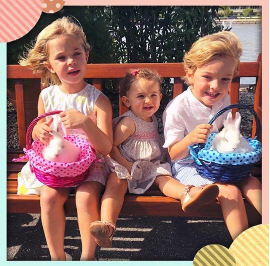 Niedlich! Prinzessin Leonore, Prinzessin Adrienne und Prinz Nicolas sind schon in Osterstimmung.  ©Princess Madeleine of Sweden