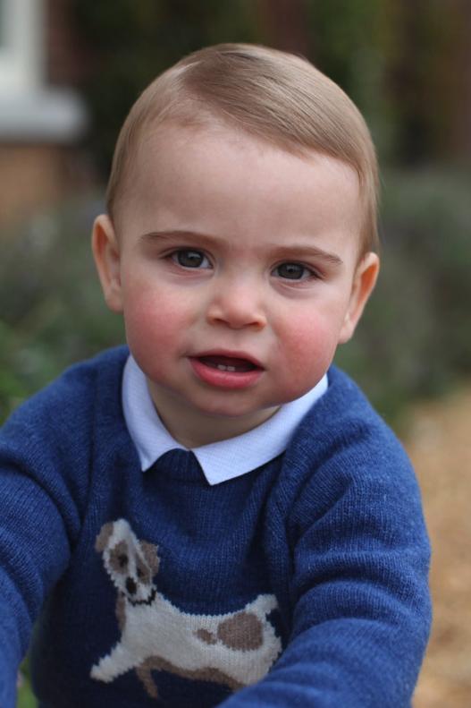 Die Kopfform und die Frisur erinnern jedoch an Prinz George als Baby.  ©Herzogin Kate/Kensington Palace