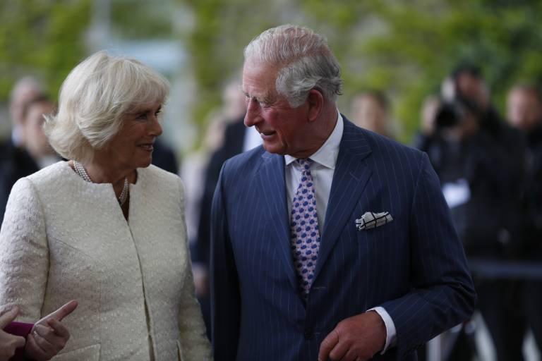 Straffes Programm: Herzogin Camilla und Prinz Charles absolvieren in Deutschland viele Termine in kurzer Zeit.  ©imago images / Pacific Press Agency