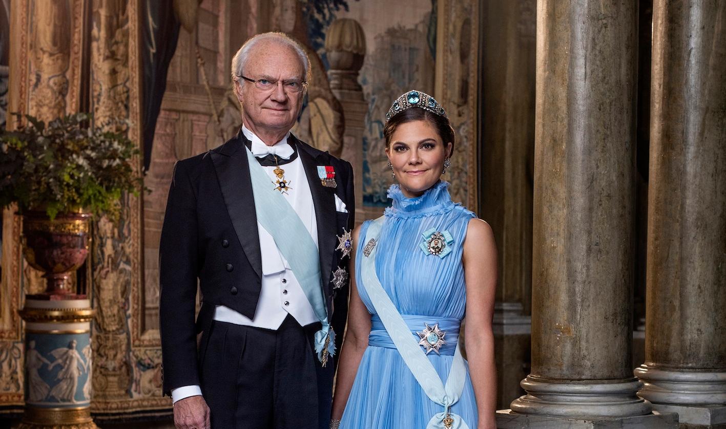 Späte Gerechtigkeit: König Carl Gustaf hat dafür gesorgt, dass Jean-Claude Arnault seine Ritterwürde entzogen wird. Er soll Kronprinzessin Victoria unsittlich berührt haben.  ©Thron Ullberg, Kungahuset.se
