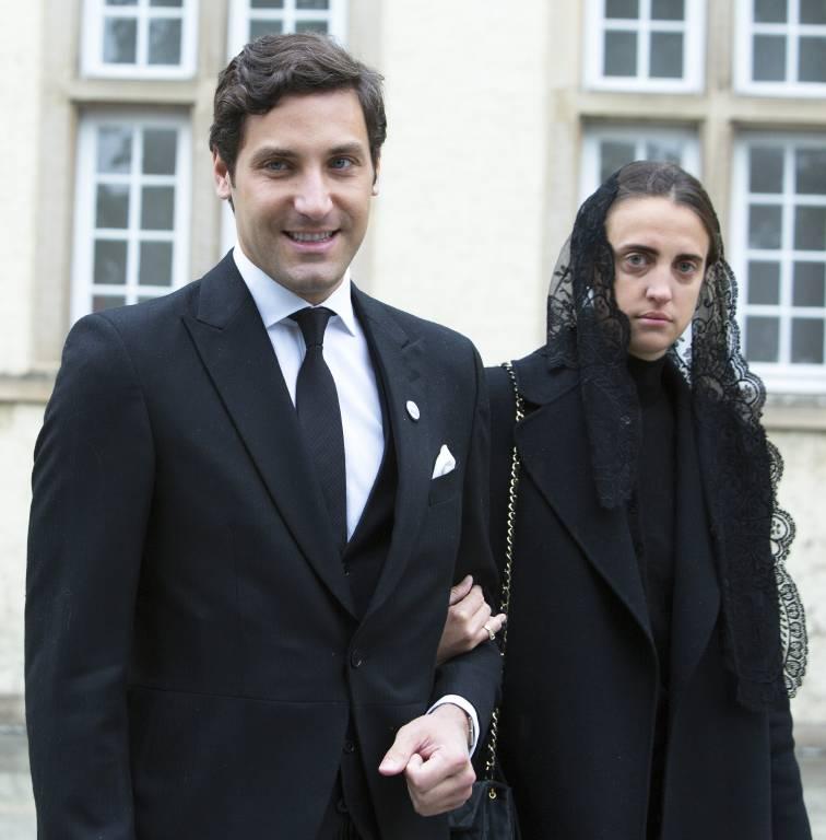 Bei der Trauerfeier von Alt-Großherzog Jean von Luxemburg begleitete Gräfin Olympia von und zu Arco-Zinneberg ihren Zukünftigen bereits.  ©imago images / ELIOTPRESS.ONLINE