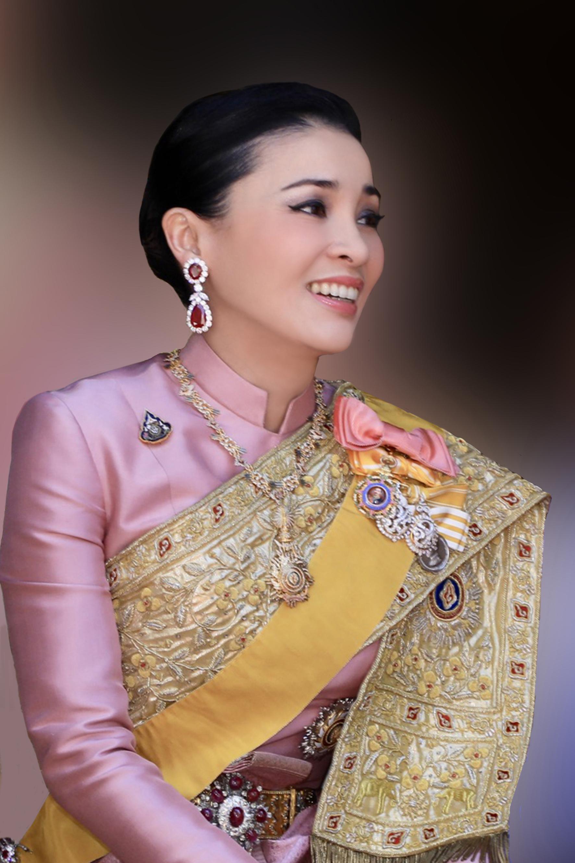 Früher arbeitete Suthida auch als Stewardess.  ©Public Relations Department Thailand