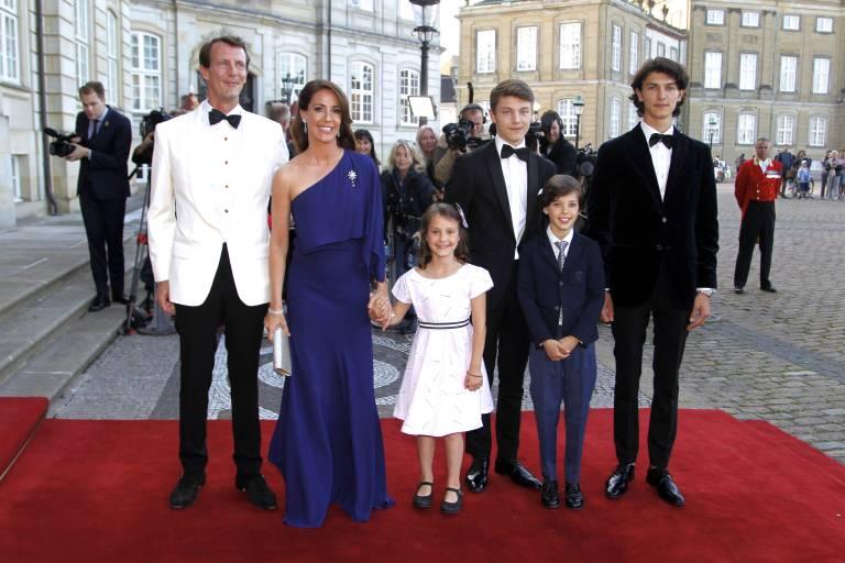Prinz Joachim (li.) absolvierte selbst eine militärische Laufbahn und dachte deswegen, dass auch sein Sohn Nikolai (r.) diesen Weg einschlagen sollte.  ©imago images / PPE