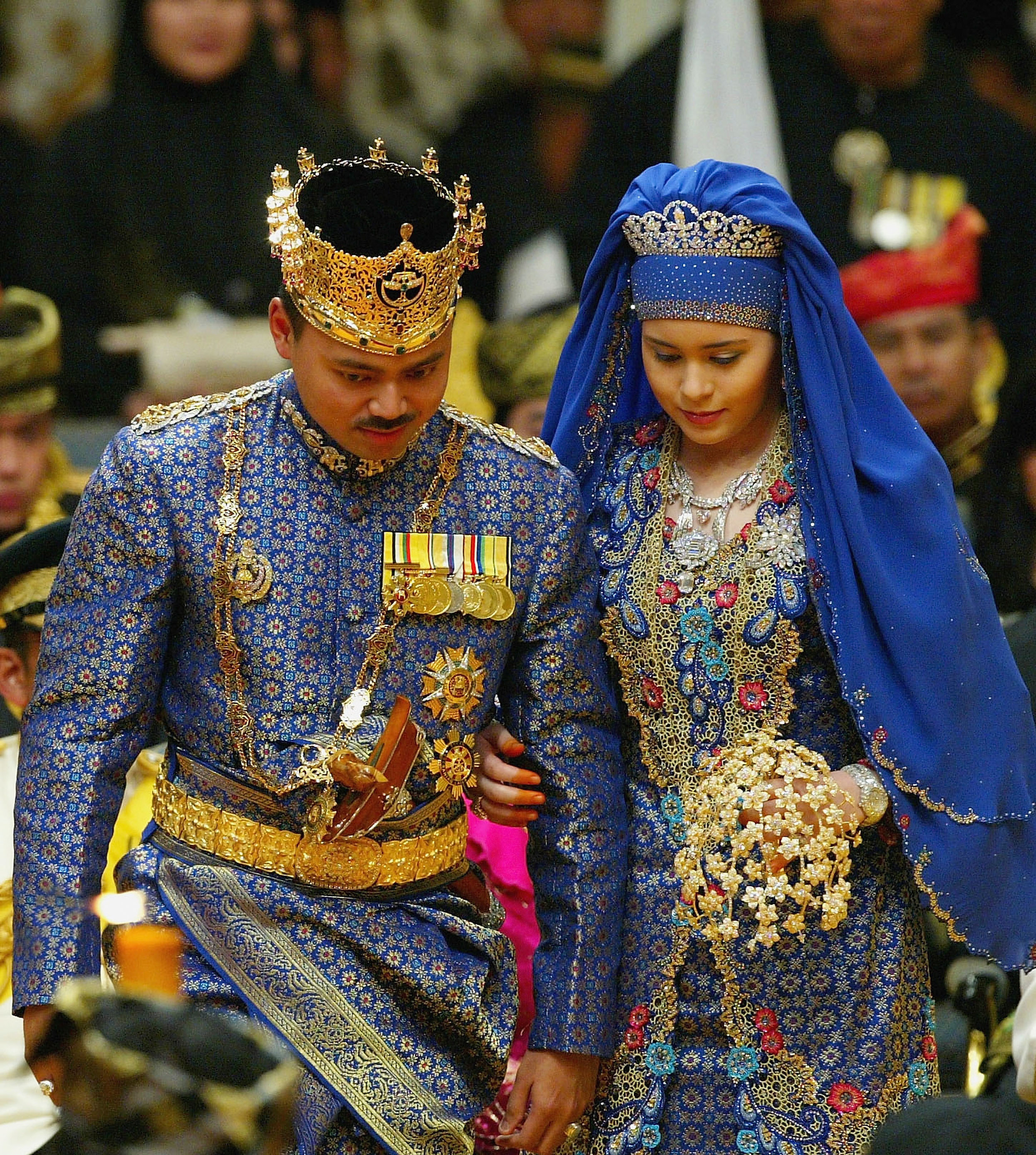 Am 9. September 2004 heirateten Kronprinz Al-Muhtadee Billah von Brunei und seine Sarah. Nur sechs Monate später erblickte ihr Sohn das Licht der Welt. Heute hat das Paar vier Kinder.  ©Getty Images