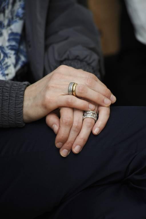 Ein Archivbild aus dem Jahr 2010: Damals trägt Königin Letizia noch ihren Verlobungsring sowie ihren goldenen Ehering.  ©imago images / alterphotos