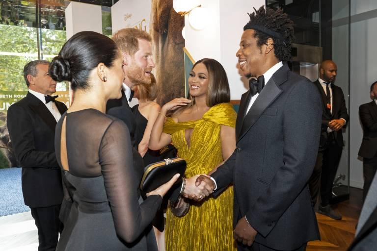 """Herzogin Meghan und Prinz Harry besuchten die Premiere des Kinofilms """"Der König der Löwen"""". Im Original ist Sängerin Beyoncé als Löwenmädchen Nala zu hören.  ©imago images / i Images"""