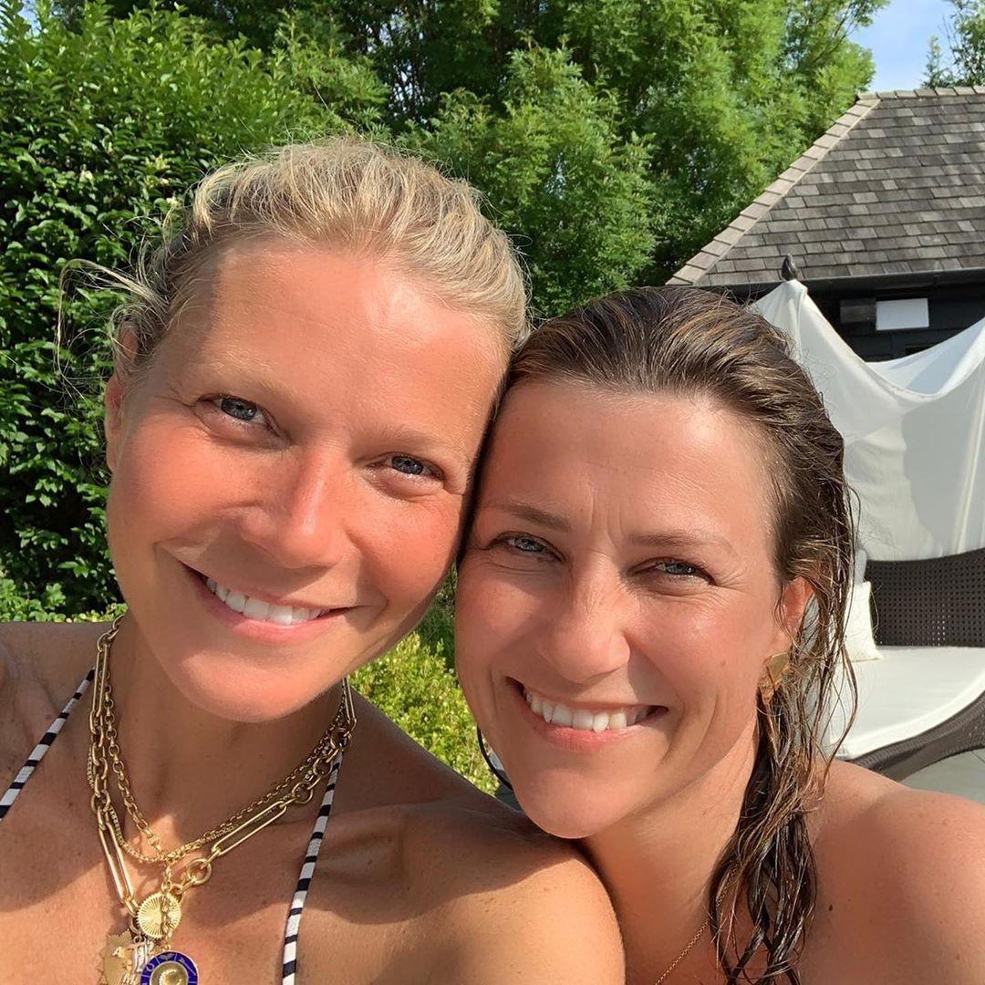 Wie beste Freundinnen: Gwyneth Paltrow und Prinzessin Märtha Louise kuscheln sich für das Erinnerungsfoto aneinander.  © Prinzessin Märtha Louise/ Instagram