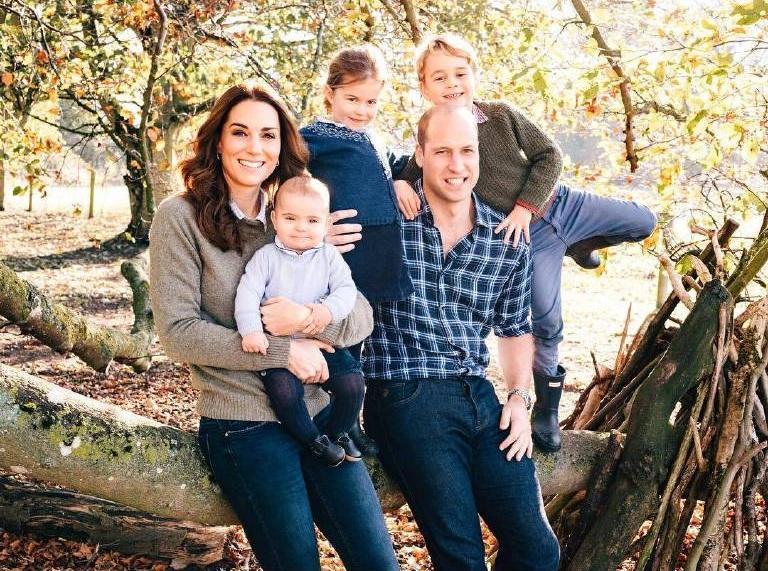 Herzogin Kate und Prinz William erholen sich mit ihren Kindern in der Karibik.  © imago images / Starface