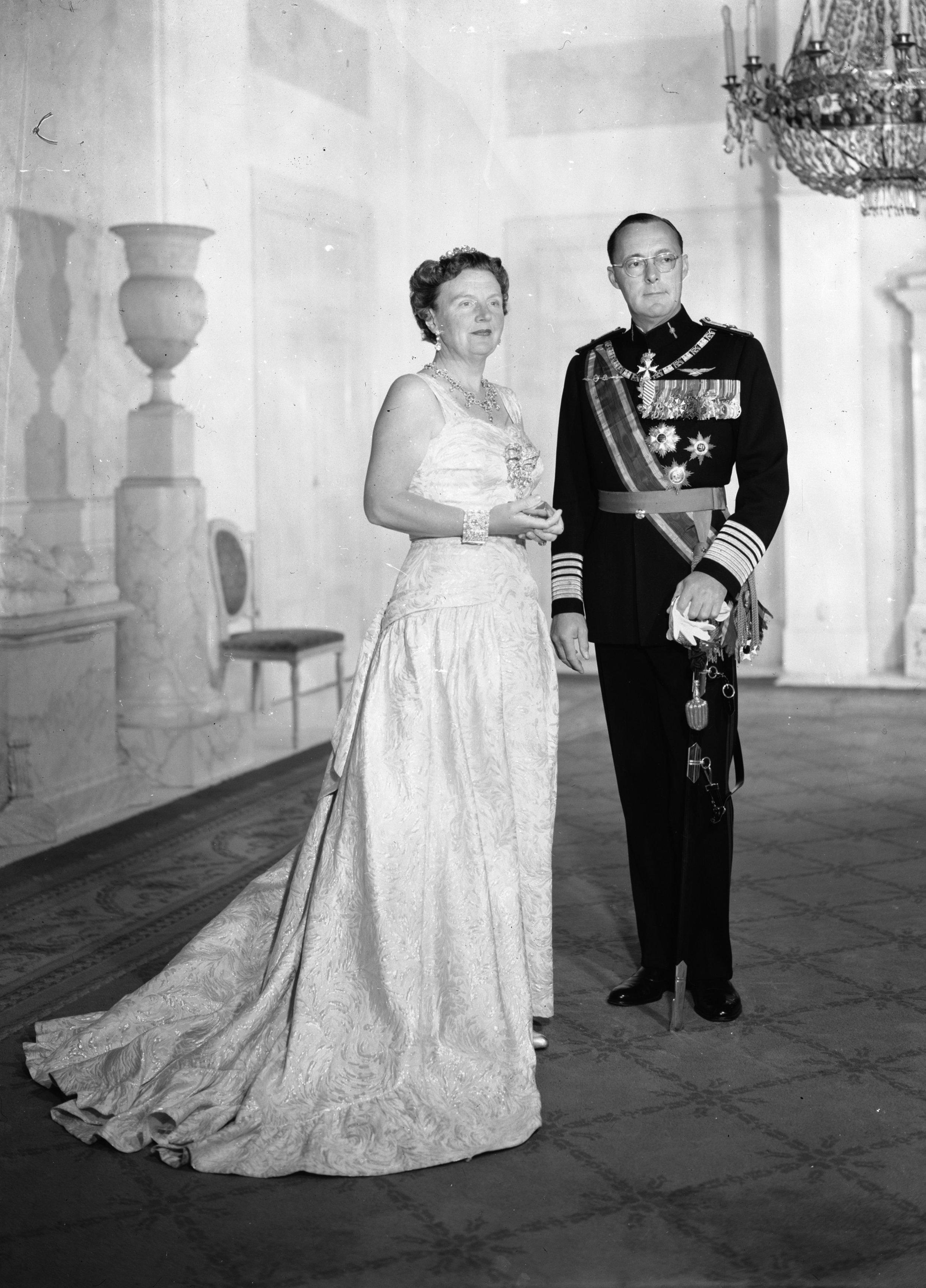 Die Ehe von Prinz Bernhard und Königin Juliana litt unter seinen Affären. Erst nach seinem Tod bekannte sich der Vater von Prinzessin Beatrix zu seinen unehelichen Kindern.  © RVD
