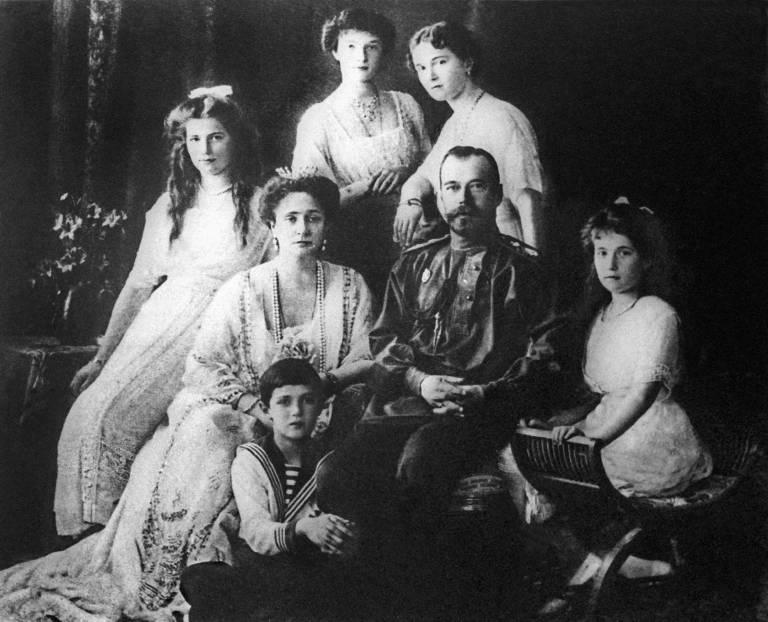 Zar Nikolaus und Zarin Alexandra wollten das Leben ihres Sohnes retten und vertrauten auf Rasputin. © Imago