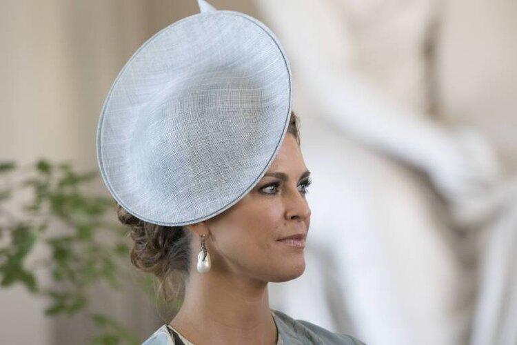 Prinzessin Madeleine verdrückte ein paar Tränen, als sie die emotionale Geschichte einer Laien-Schauspielerin hörte.  © imago images / IBL