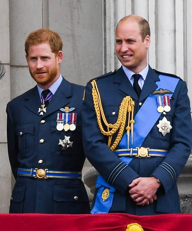 Prinz Harry und Prinz William setzen sich öffentlich gegen die Diskriminierung von HIV-und Aids-Patienten ein.   ©imago images / PA Images