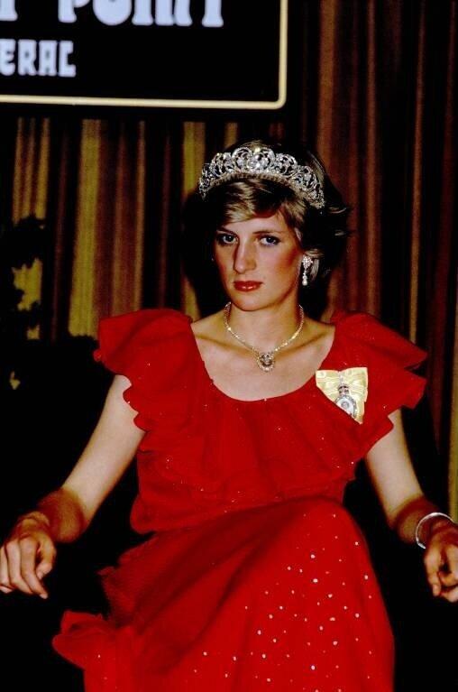 Prinzessin Diana soll während ihrer Ehe mit Prinz Charles schmutzige Geheimnisse über die Königsfamilie gesammelt haben.  © imago images / Photoshot/John Shelley Collection