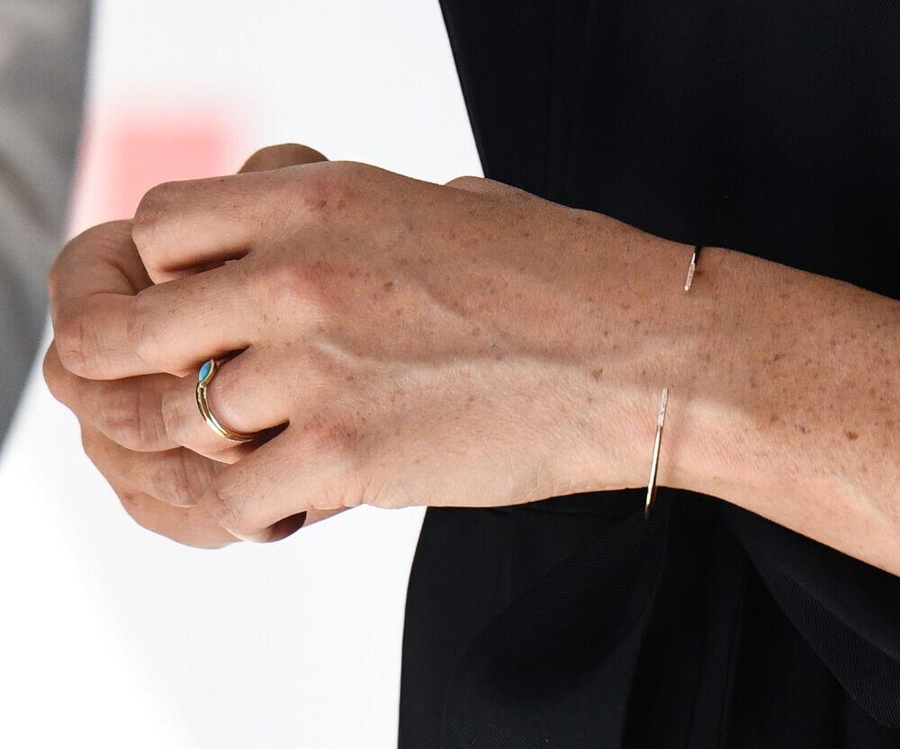 Herzogin Meghan trägt nun einen Ring von Schmuckdesignerin Jennifer Meyer.  © imago images / PA Images