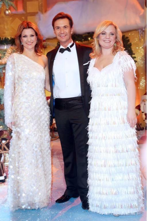 """2012 traten Prinzessin Märtha Louise und Elisabeth in der Silbereisen-Show """"Das Adventsfest der 100.000 Lichter"""" auf.  © imago images / STAR-MEDIA"""