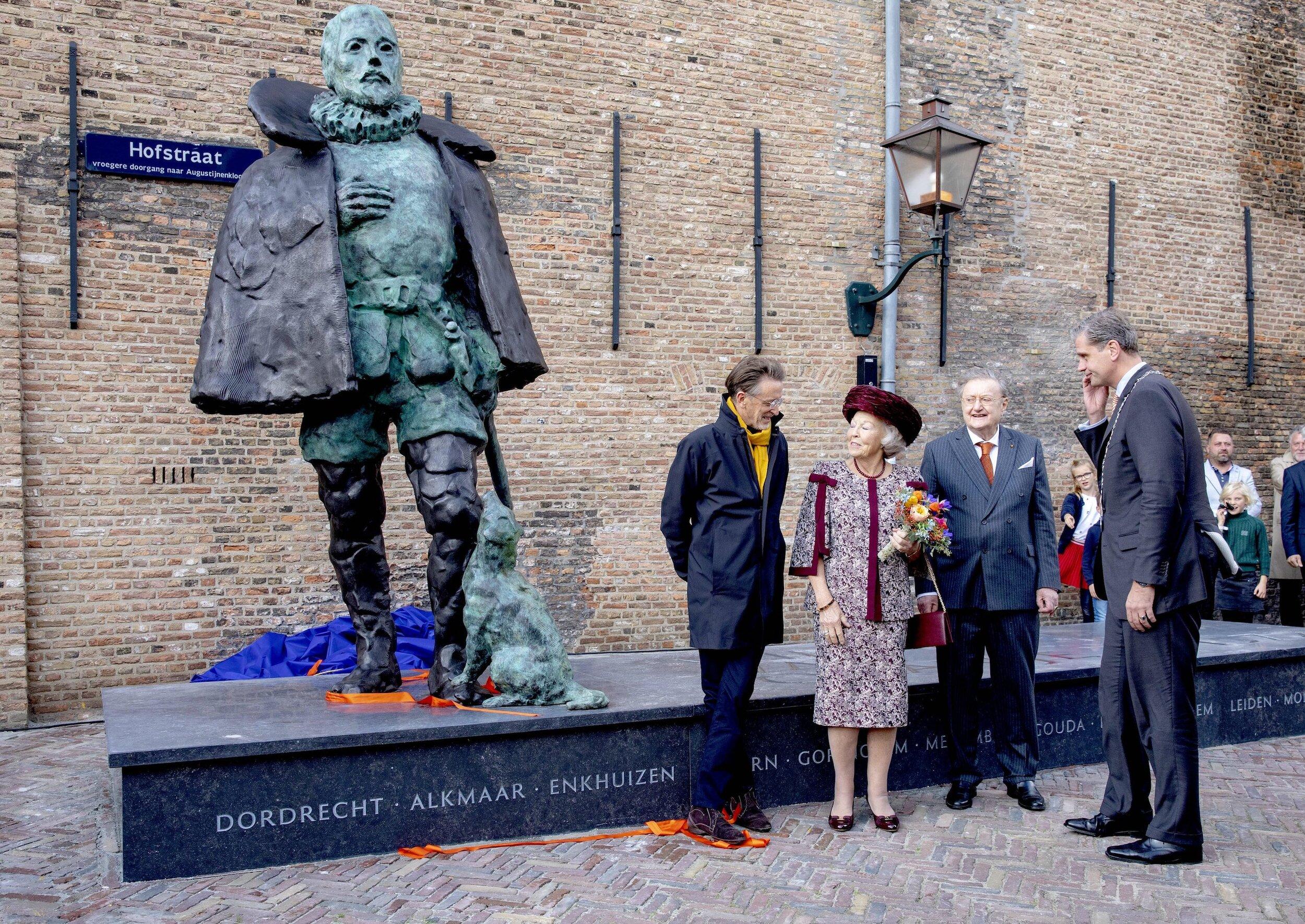 9. Oktober 2019    …  Die Stiftung Prinz Wilhelm I. schenkte die Statue der Stadt Dordrecht.   ©  picture alliance / Royal Press Europe