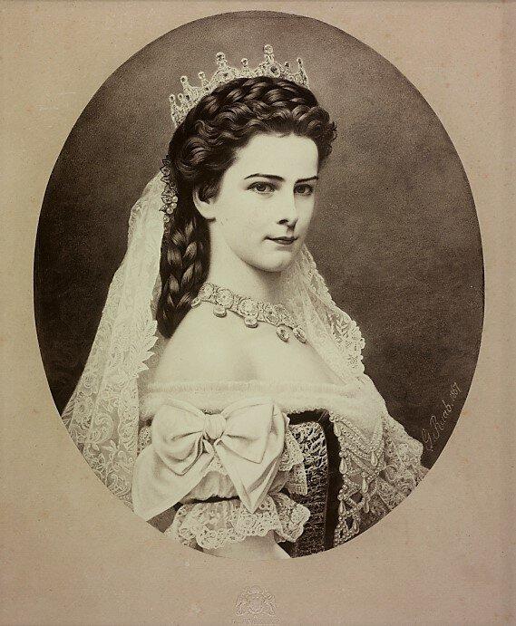 Kaiserin Elisabeth ist bis heute eine Ikone. Anhänger reißen sich aber auch um Erinnerungsstücke von ihrer Lieblingstochter.  © Gemeinfrei