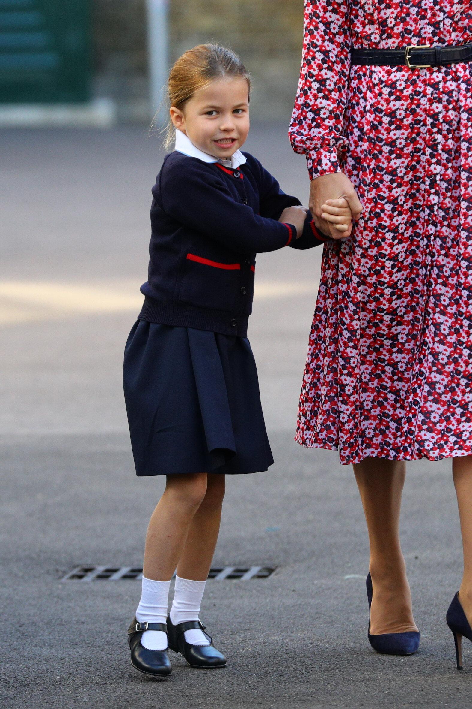 Prinzessin Charlotte gibt gerne kleine Vorstellungen für ihre Eltern, das hat Herzogin Kate nun verraten.  © picture alliance / empics