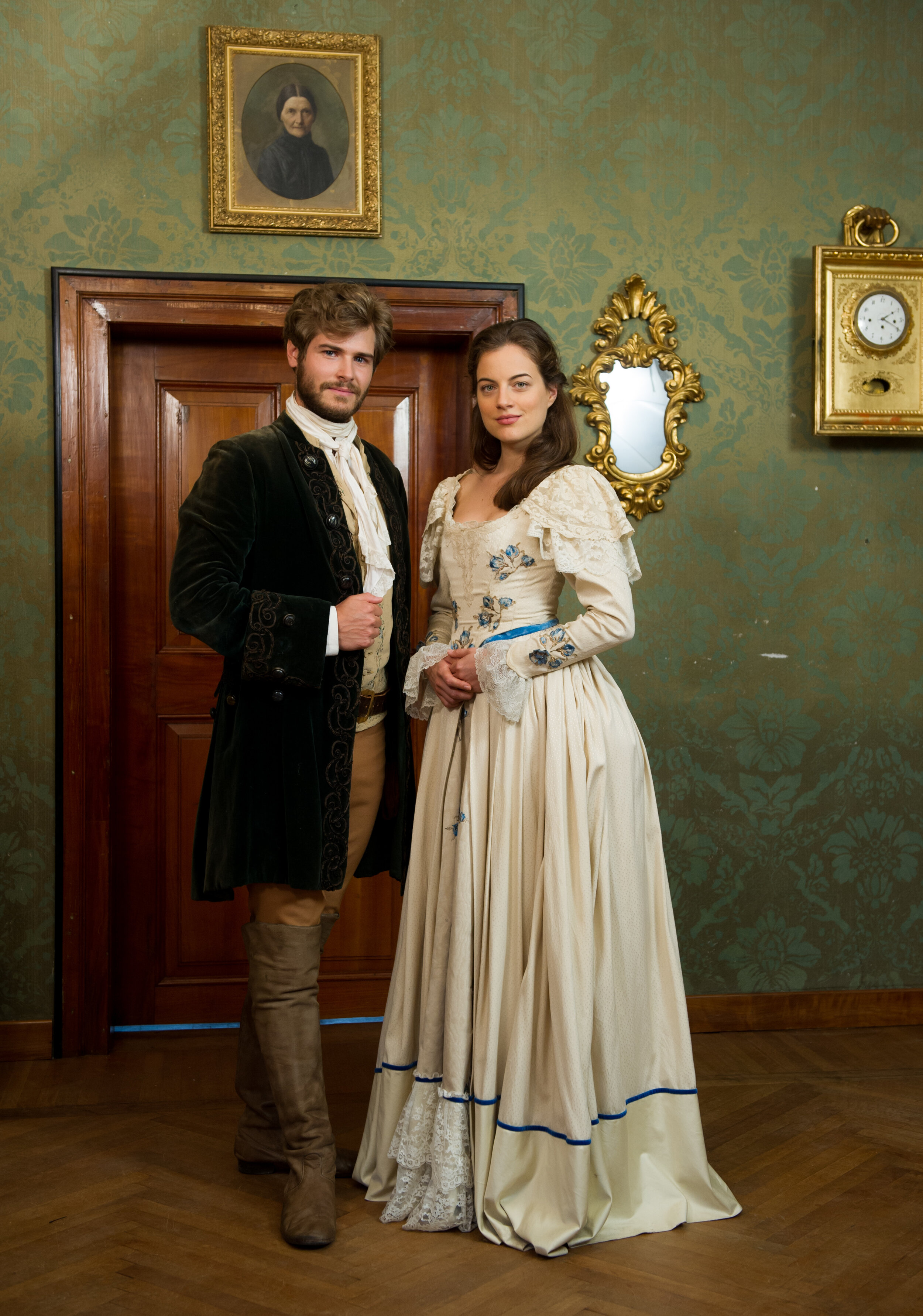 """Cleo von Adelsheim als Schauspielerin in dem Märchenfilm """"Prinzessin Maleen"""" an der Seite von Peter Foyse.  © dpa"""