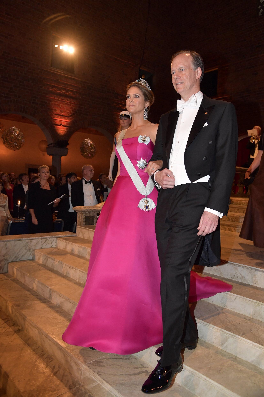 Prinzessin Madeleine kam ohne ihren Mann Christopher O'Neill zur Nobelpreis-Verleihung 2019. Dafür freute sich der Onkologe William G. Kaelin Jr. über ihre Gesellschaft.  © picture alliance/TT NEWS AGENCY