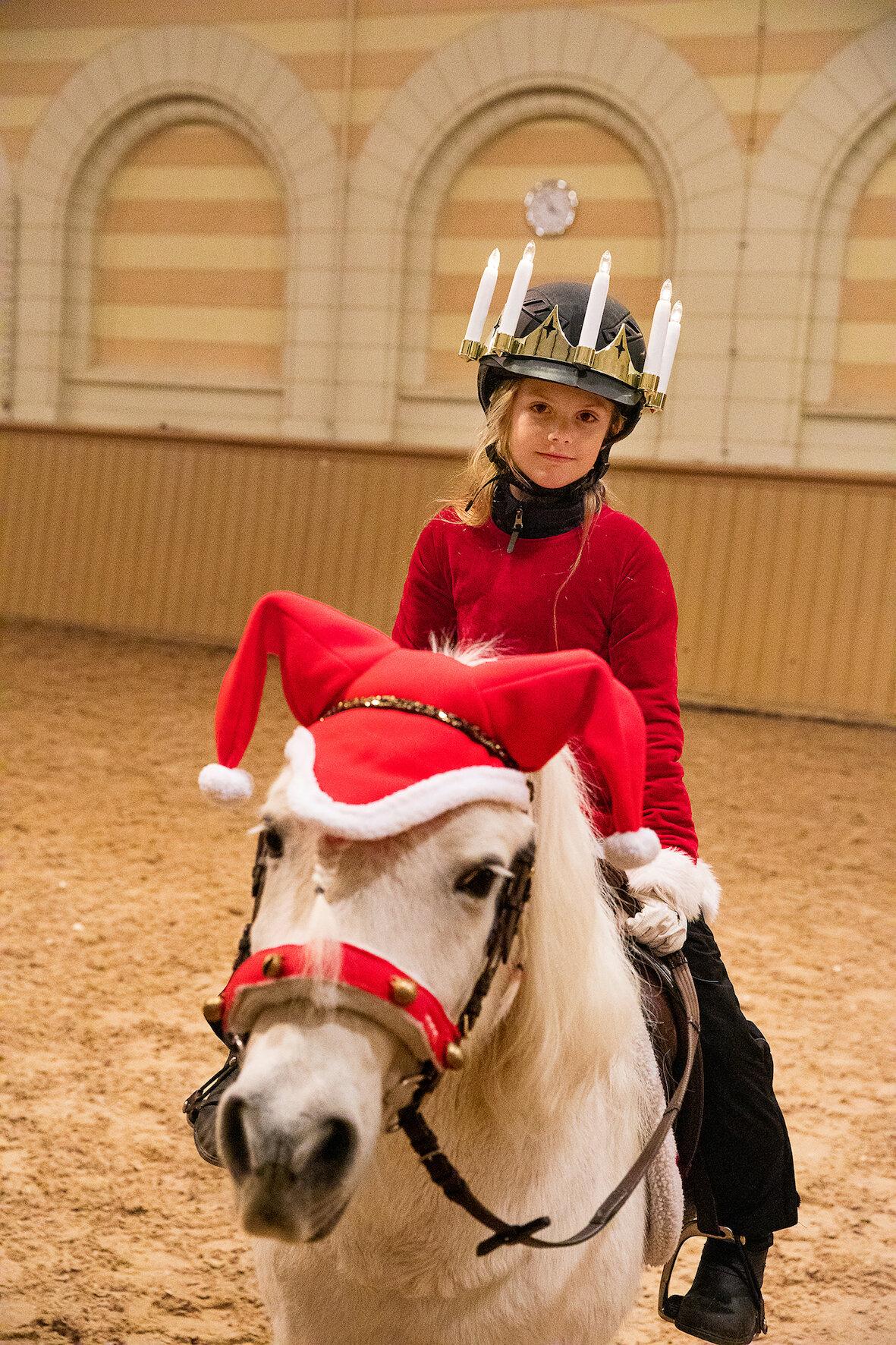 Prinzessin Estelle und ihr Pony Viktor sind ein Herz und eine Seele.  © Sara Friberg, Royal. Hovstaatna