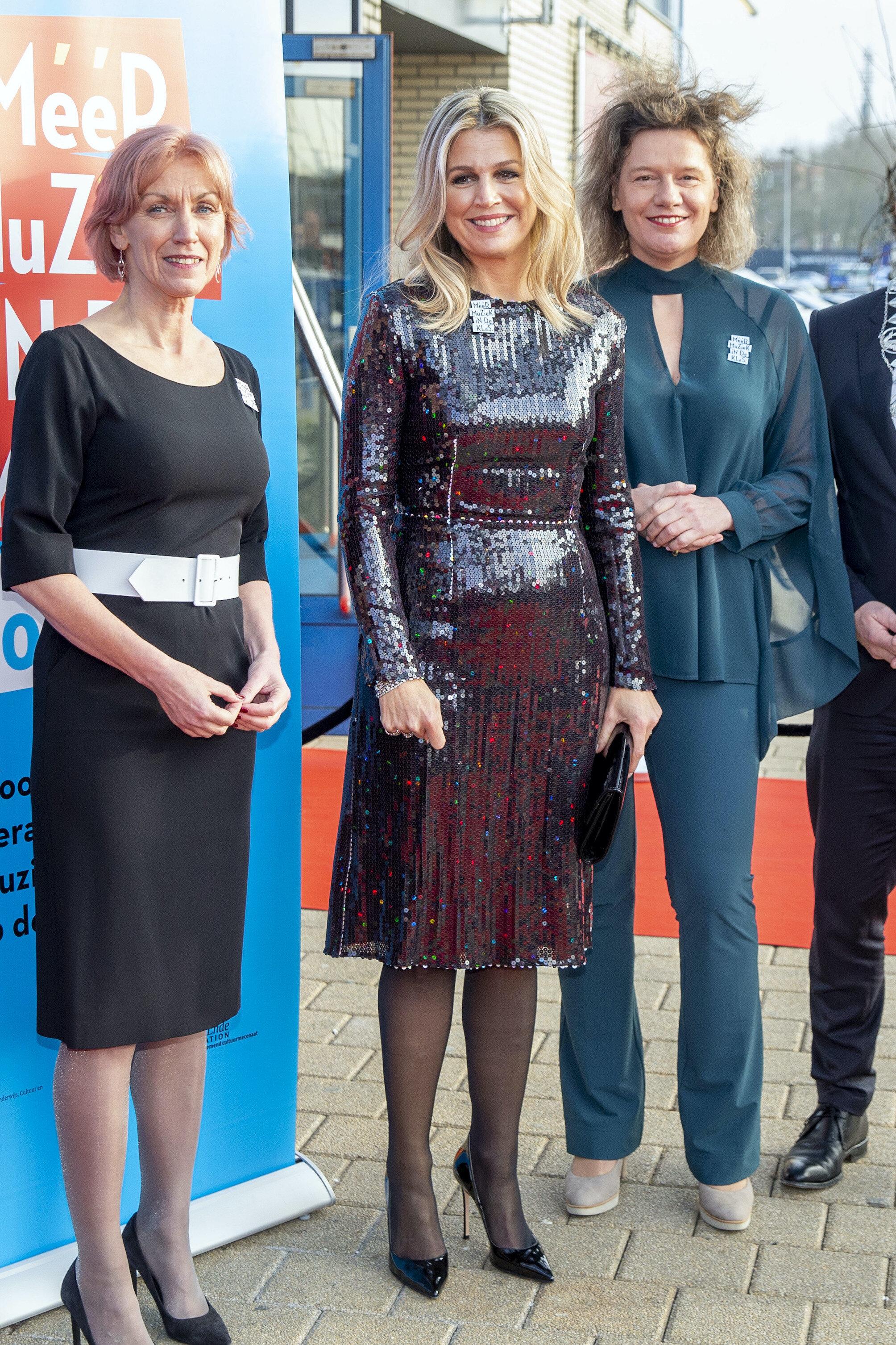 Zuvor trug Königin Maxima das Kleid schon bei einem Konzert in Brüssel und beim Wirtschafts-Dinner in der Kongresshalle am Leipziger Zoo  ©picture alliance/Dutch Photo Press