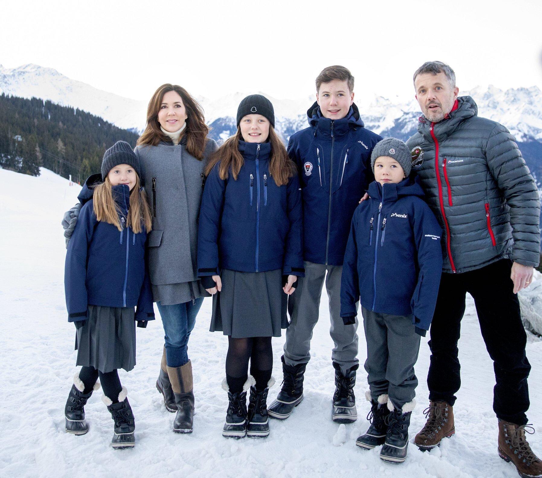 Royale Rasselbande: Kronprinzessin Mary und Kronprinz Frederik sind vierfache Eltern. © picture alliance/RoyalPress Europe