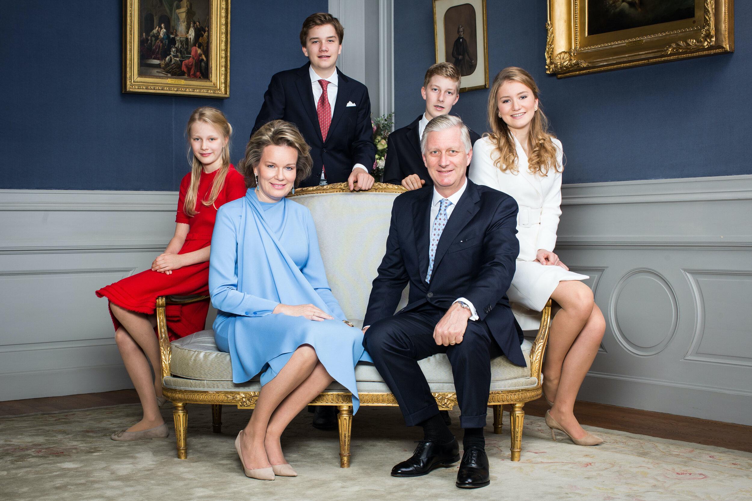Die Thronfolge ist in Belgien gesichert: Königin Mathilde und König Philippe haben vier Kinder. © picture alliance/Hand Out Belgian Royal Palace Ba/BELGA/dpa
