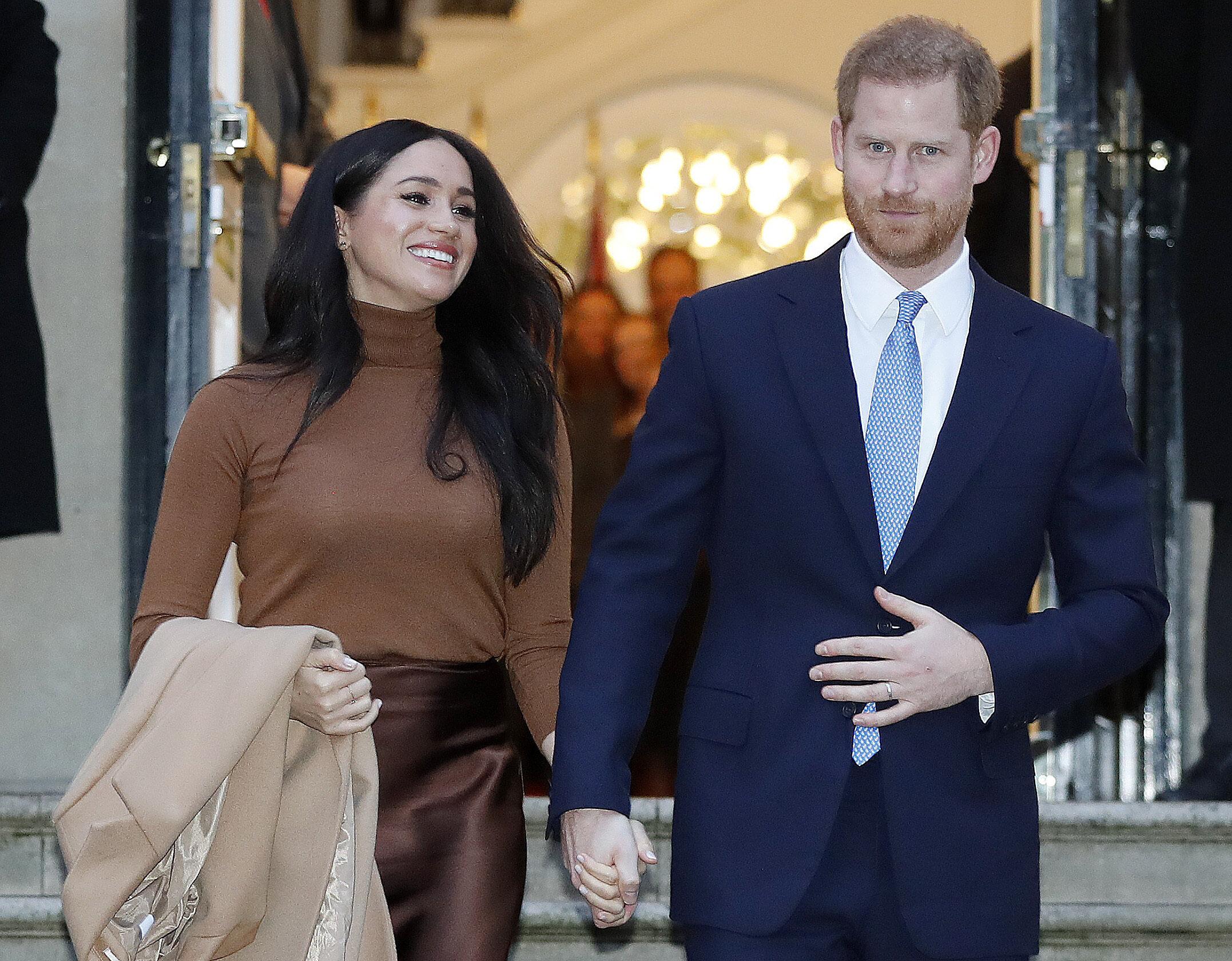 Herzogin Meghan und Prinz Harry wollen kein Freiwild der Paparazzi sein. Sie wehren sich gegen unerlaubte Fotos.  © picture alliance / AP Images