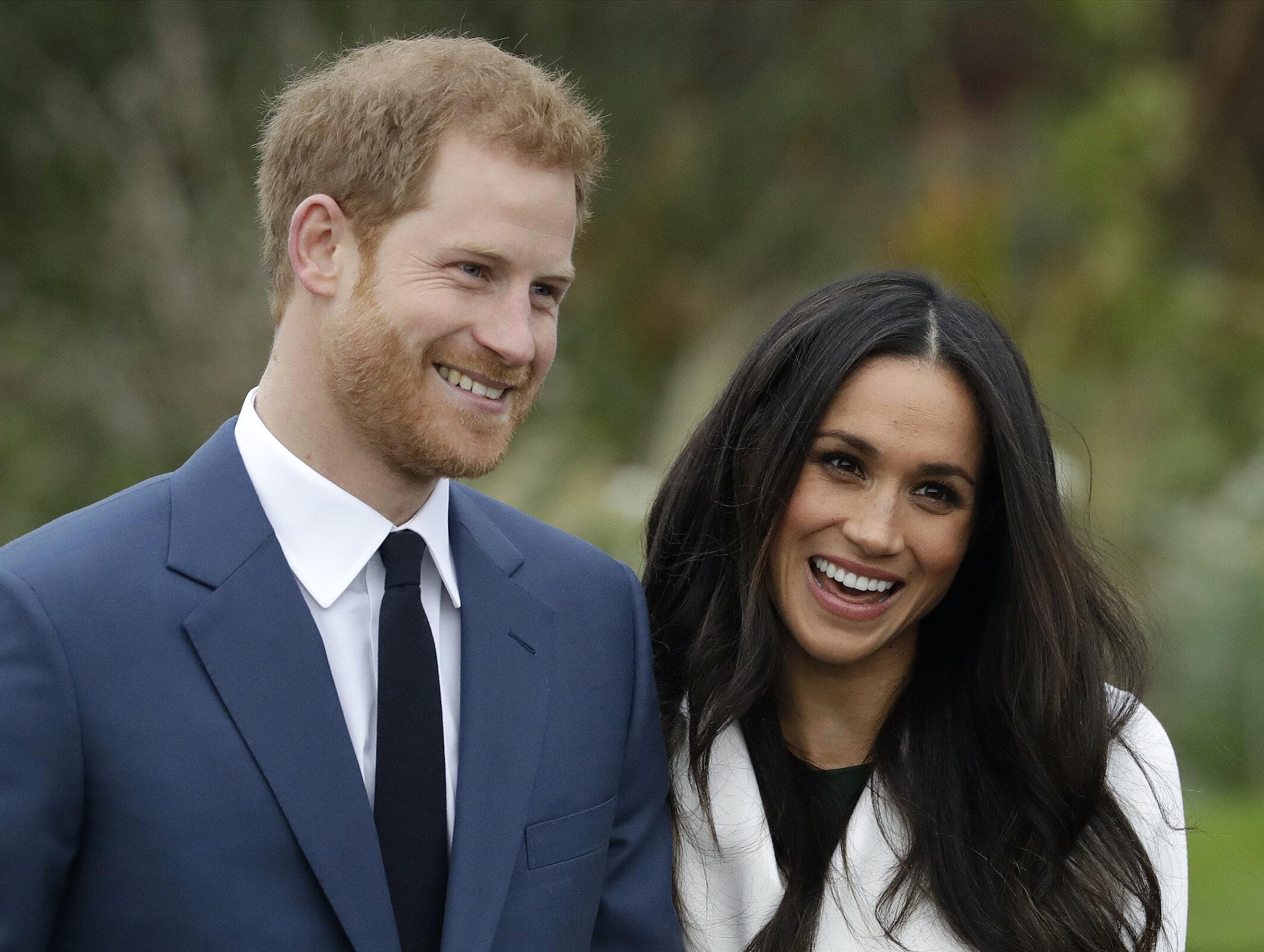 Prinz Harry und Herzogin Meghan haben sich aus der britischen Königsfamilie zurückgezogen, um ein selbstbestimmteres Leben zu führen.  © picture alliance / AP Photo