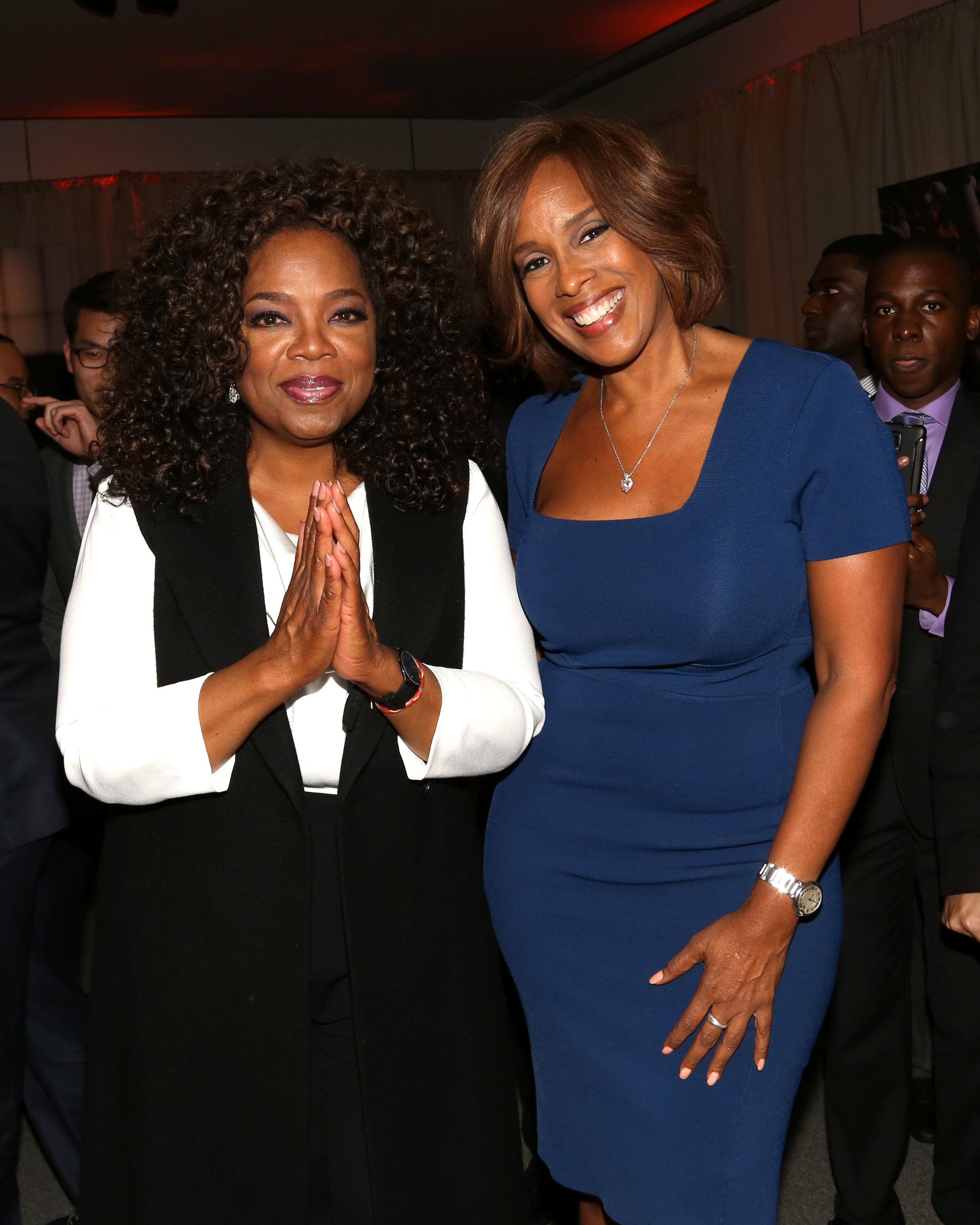Oprah Winfrey und Gayle King sind mit Harry und Meghan befreundet. Sie finden es unfair, wie das Paar kritisiert wird.  © picture alliance / AP Images / Invision