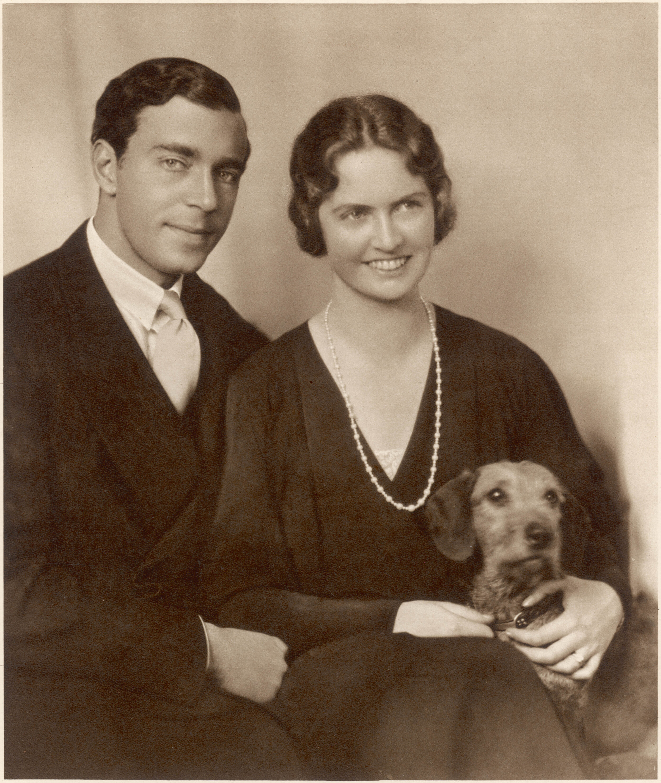 Prinz Gustav Adolf starb 1947 bei einem Flugzeugabsturz der Fluggesellschaft KLM. Die Maschine war von Amsterdam nach Stockholm unterwegs gewesen.  © picture alliance/Mary Evans Picture Library