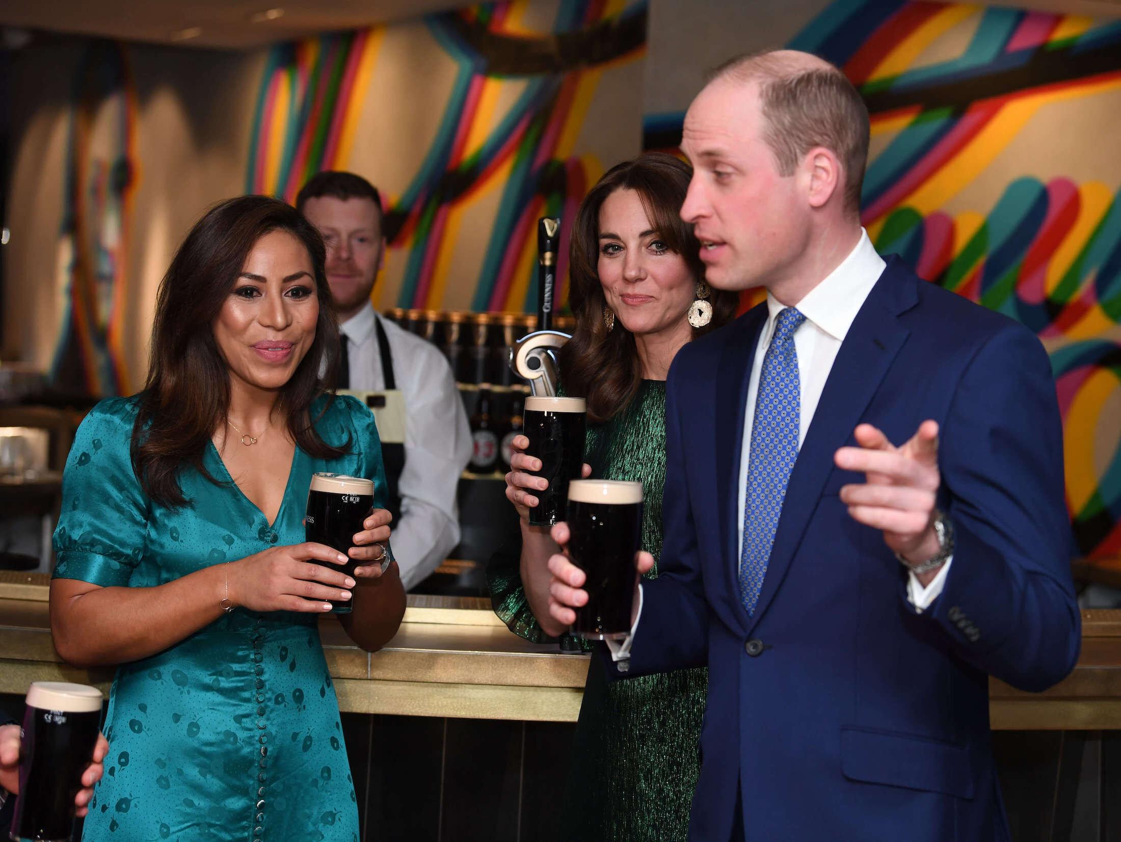 Am Abend besuchten die Cambridges die Gravity Bar des Guinness Storehouse. © picture alliance / empics