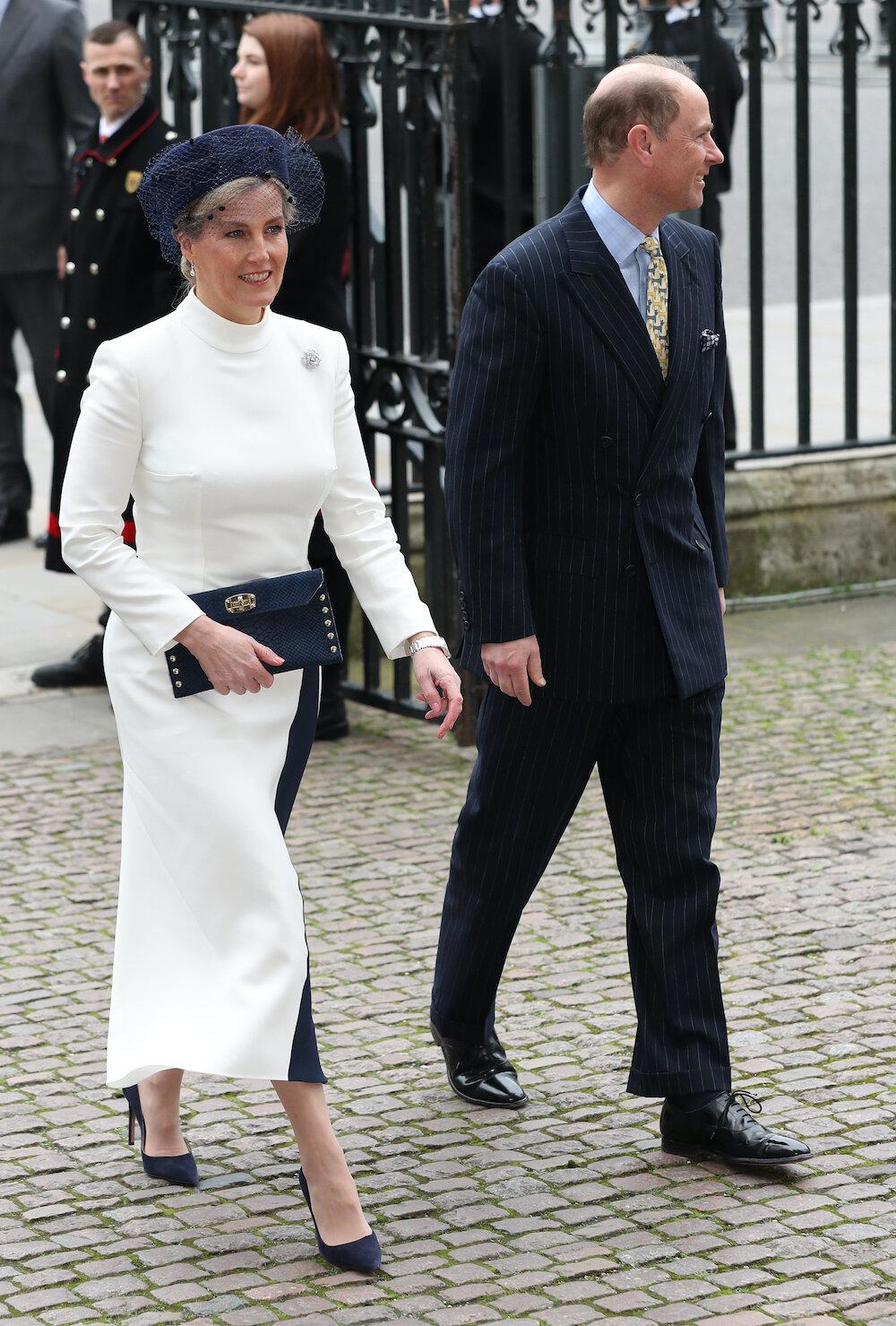 Elegant, aber trotzdem ausgefallen: Sophie von Wessex überzeugt modisch beim Gottesdienst.  © picture alliance / empics