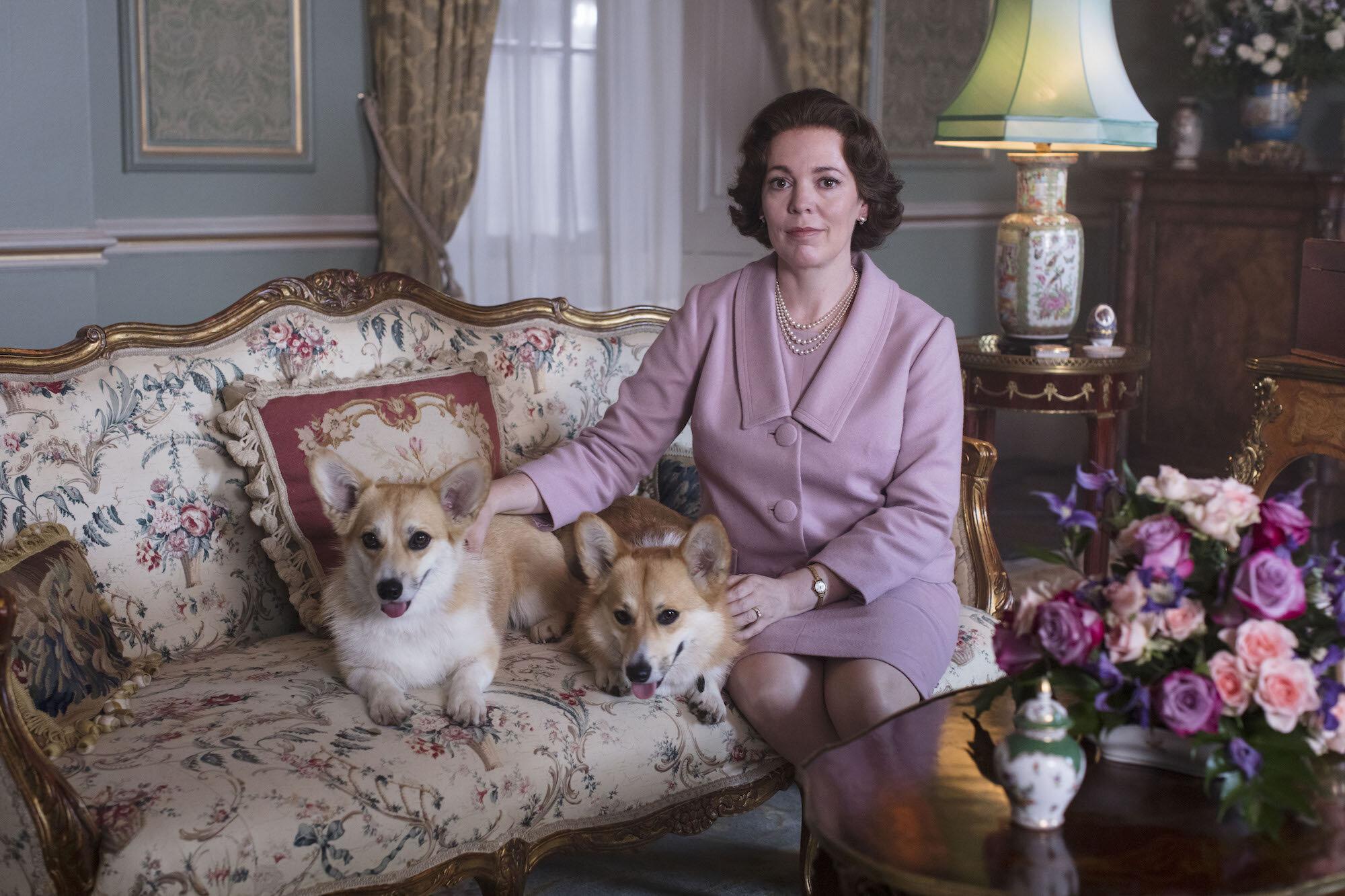 """Die Serie """"The Crown"""" gehört für viele Royal-Fans zu den Favoriten. Aber auch andere Serien und Filme sind absolut sehenswert.  © Sophie Mutevelian / Netflix"""