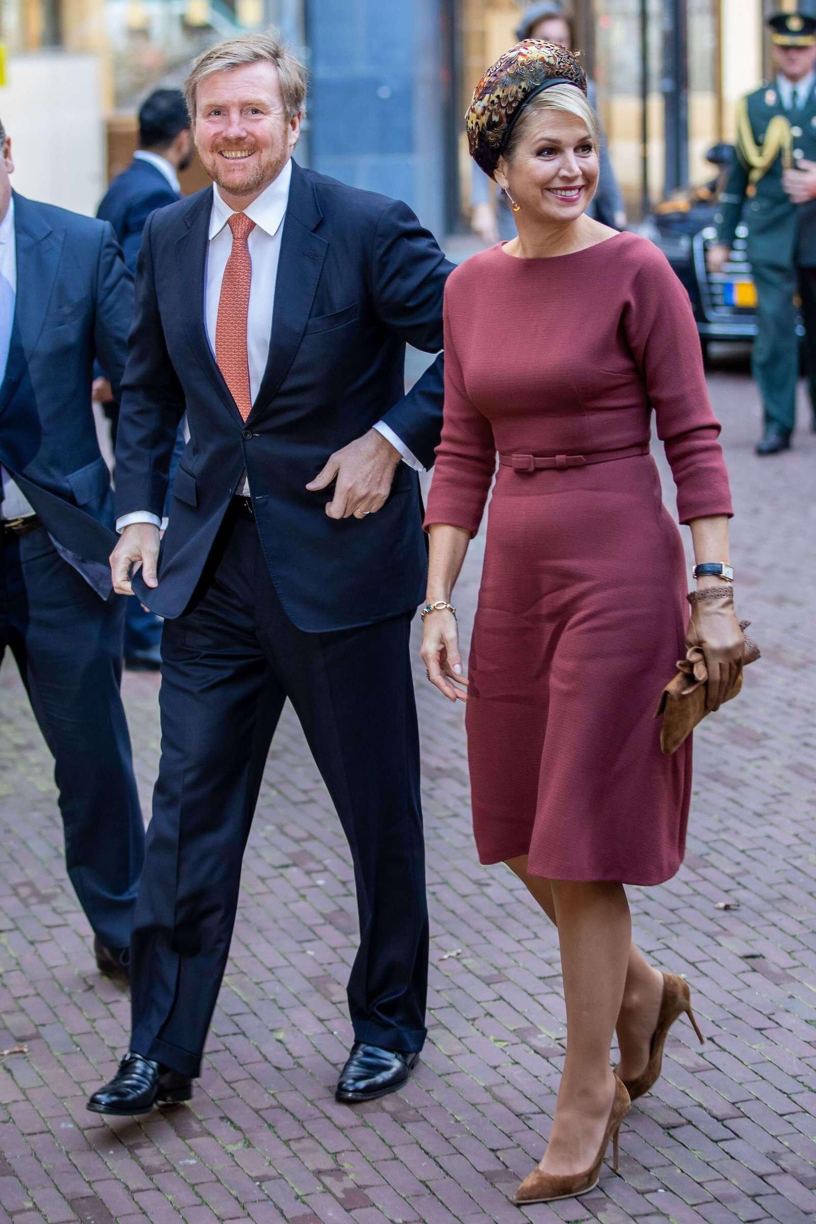 König Willem-Alexander und Königin Maxima müssen erst mal zu Hause bleiben. Dennoch versuchen sie ihr Landsleute zu unterstützen.  © picture alliance/Hollandse Hoogte