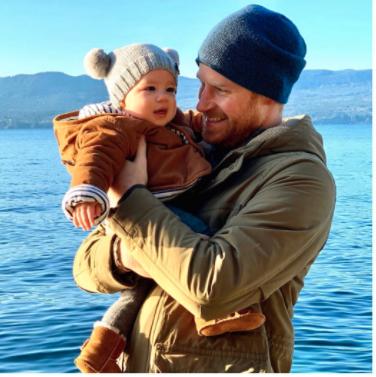 Der Name von Baby Archie hat eine besondere Bedeutung für Meghan und Harry. © Sussex Royal