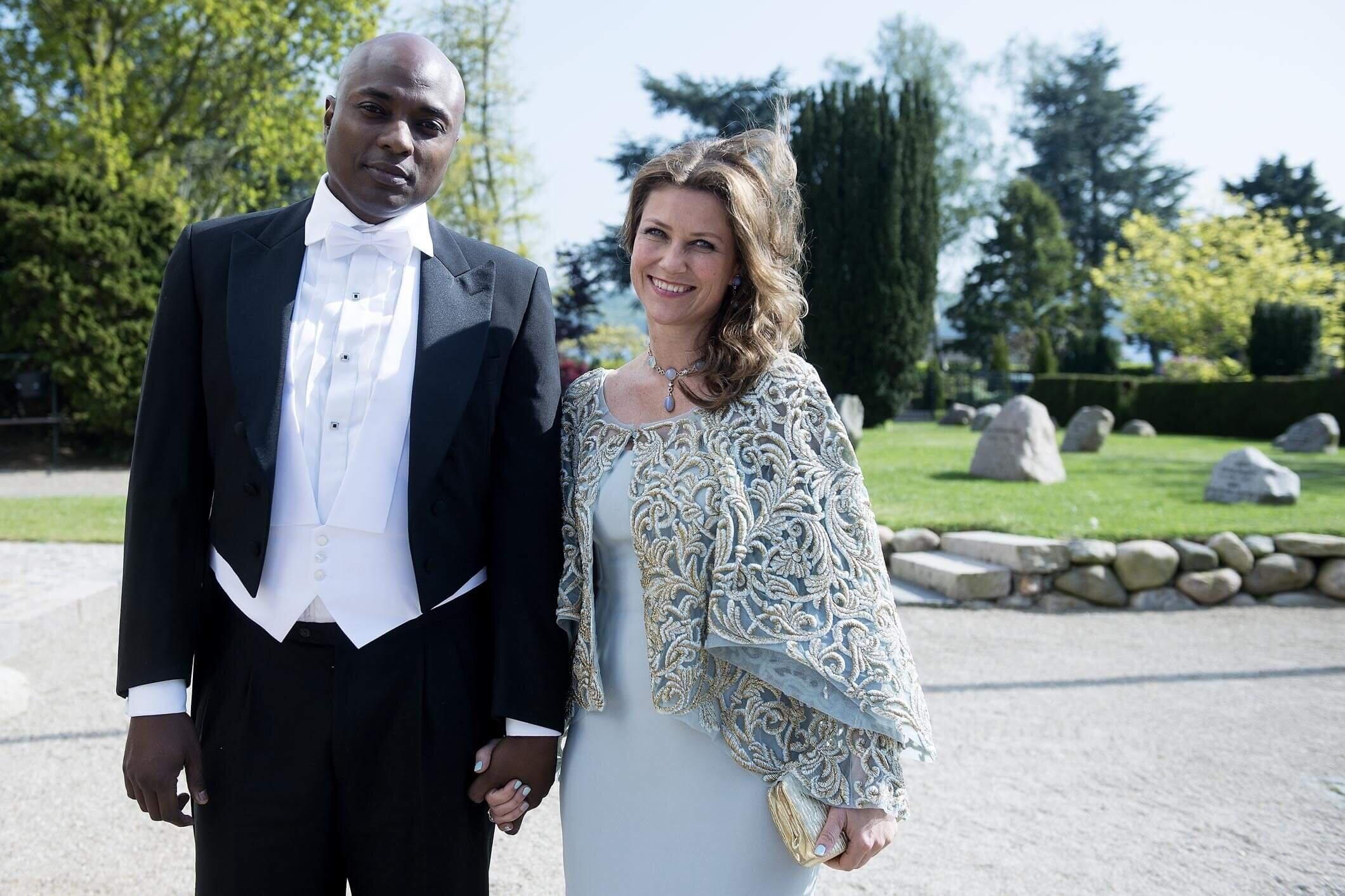 Prinzessin Märtha Louise und der Schamane Durek Verrett schmieden bereits Hochzeitspläne.  © picture alliance/Ritzau Scanpix