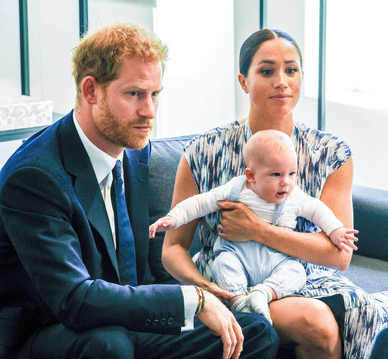 Prinz Harry und Herzogin Meghan wohnen mit Sohn Archie in Los Angeles. Dort hielt der Royal nun eine Videokonferenz ab.  © picture alliance