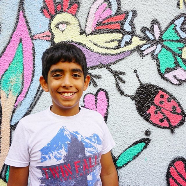 An Al-Rowwad student poses proudly during a photography course in Aida Camp. @friendsofalrowwad.uk