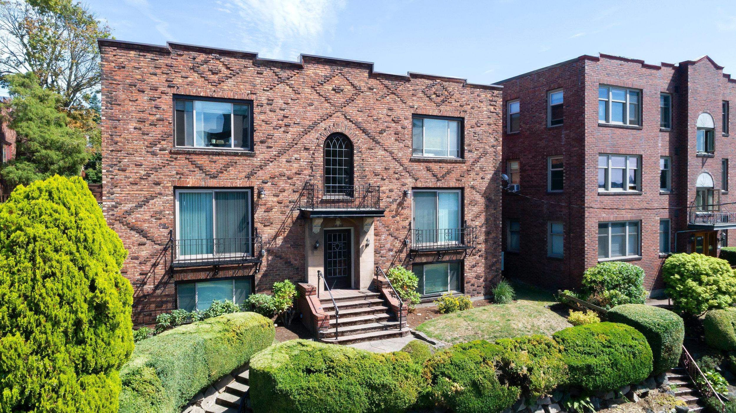 Gladstone-Mckay-Chhan-Wayne-Seattle-Apartment-Team