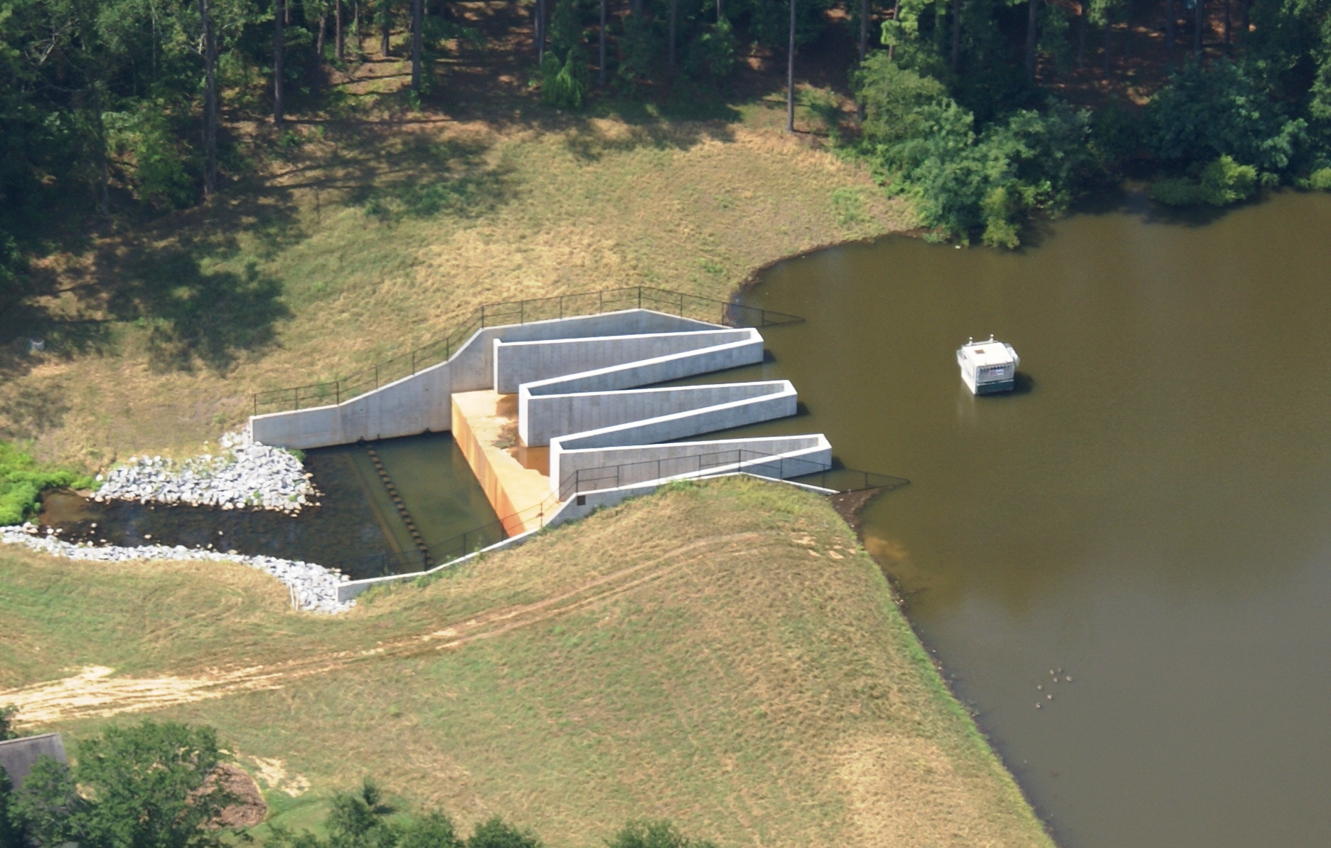 Huntington Hill Dam 1.jpg