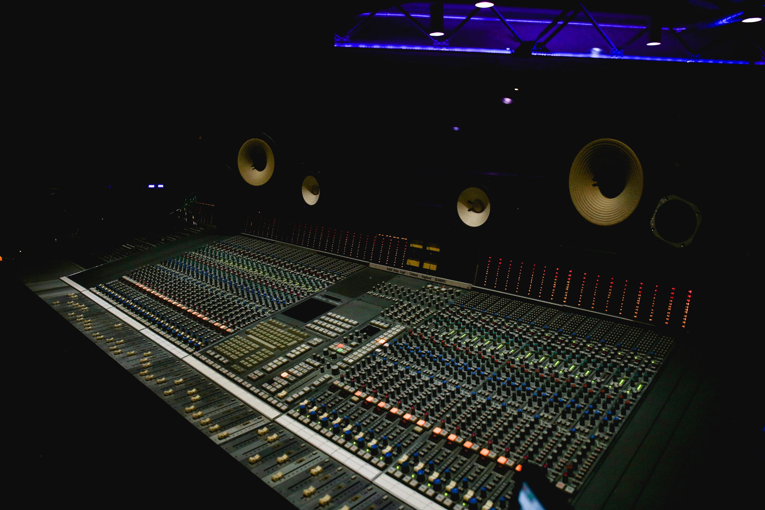 Studio-0492.jpg