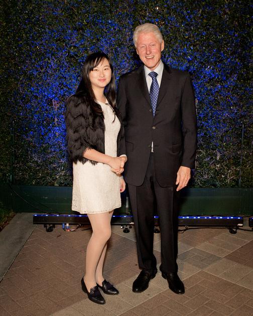 AmeriChina 高端活动精华,其中包括海外名人:美国前总统比尔克林顿、好莱坞女星安妮海瑟薇、设计师维多利亚贝克汉姆等
