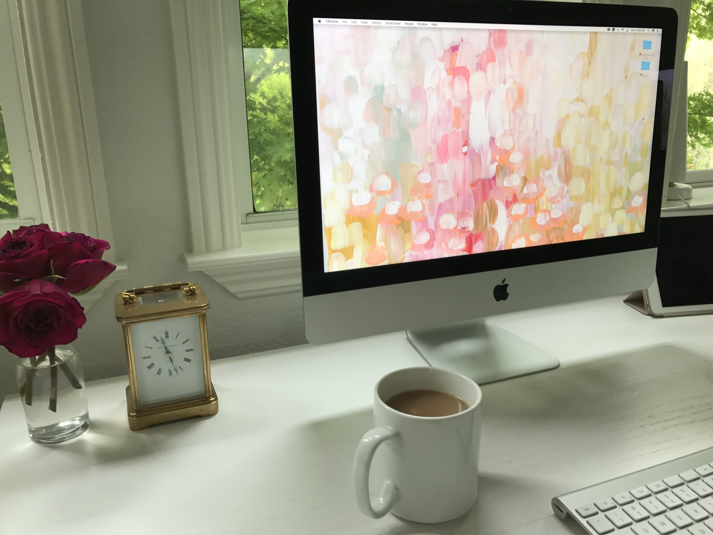 Time blocking and rocking the white desk!