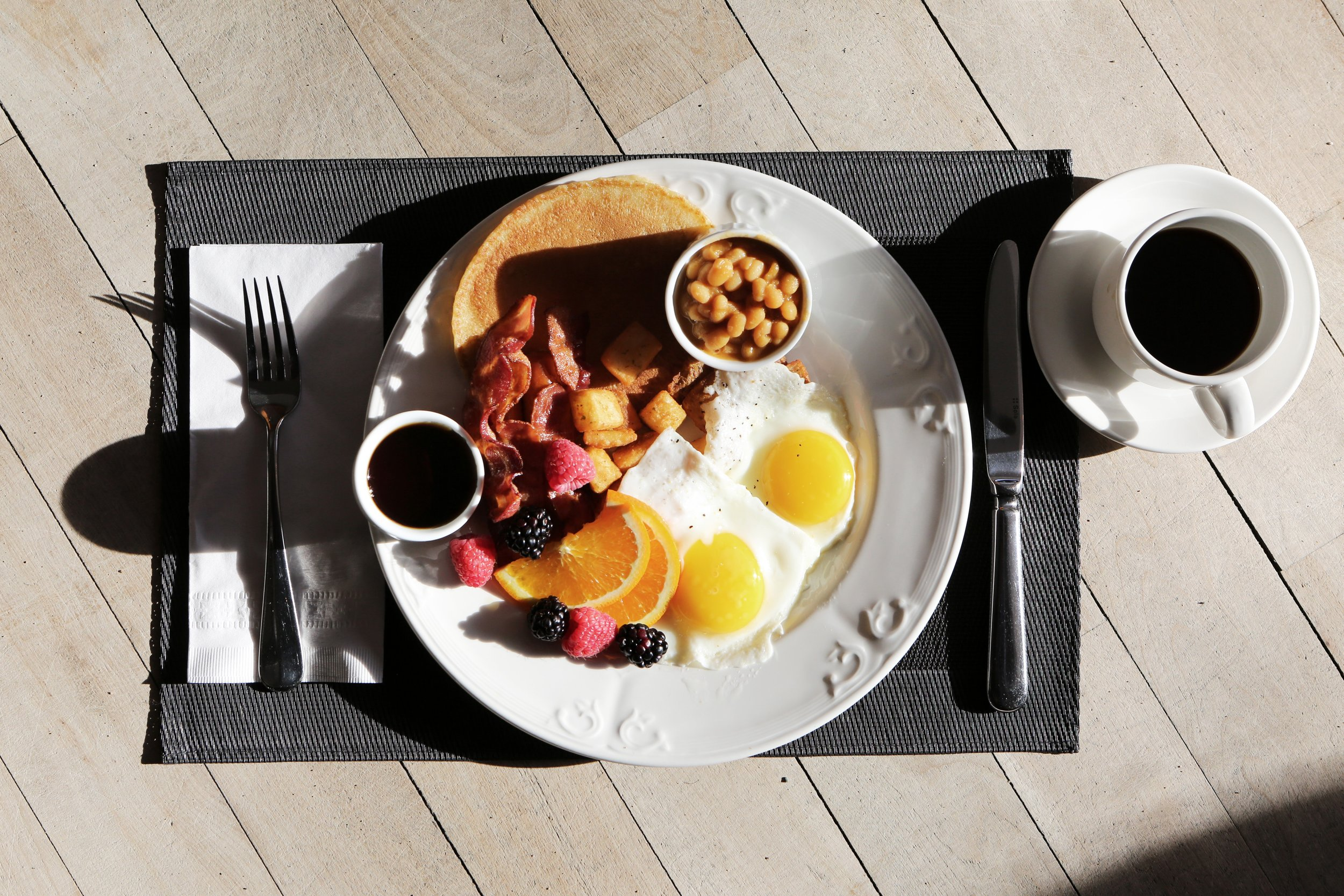 blackberries-breakfast-caffeine-101533.jpg