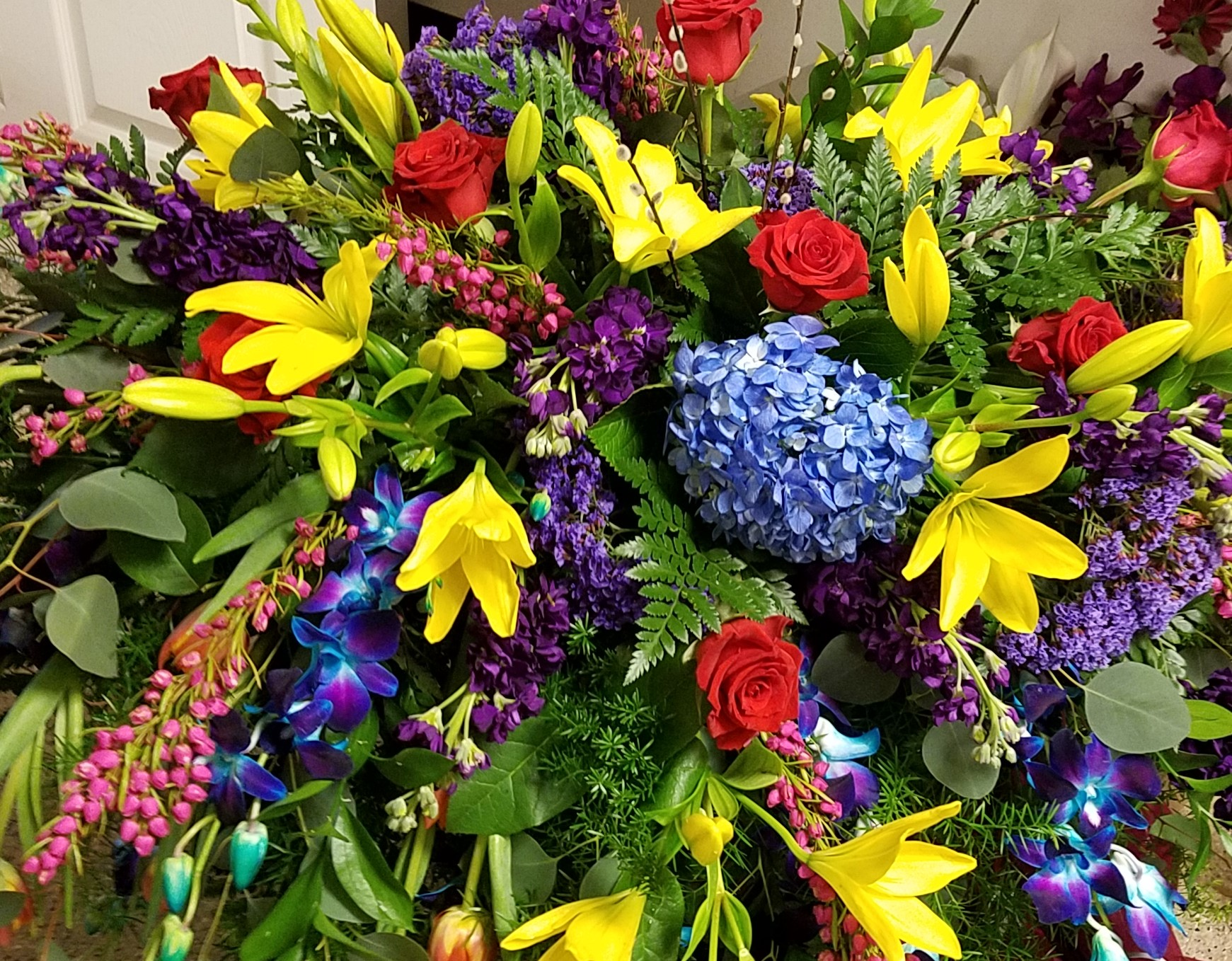 Many styles of funeral flowers