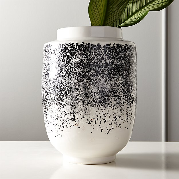 Modern Vase from CB2. www.dinamariejoy.co