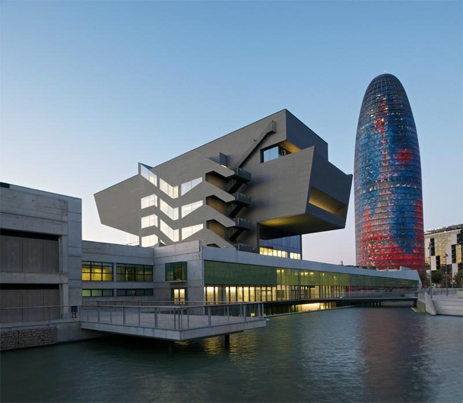 barcelona-dm-building1.jpg
